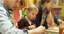 Family Seasonal Workshop at Center Parcs De Huttenheugte